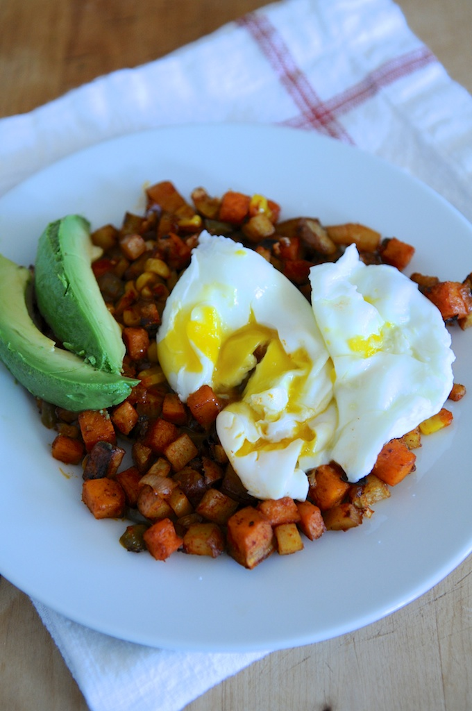 Sweet potato breakfast hash w/poached eggs