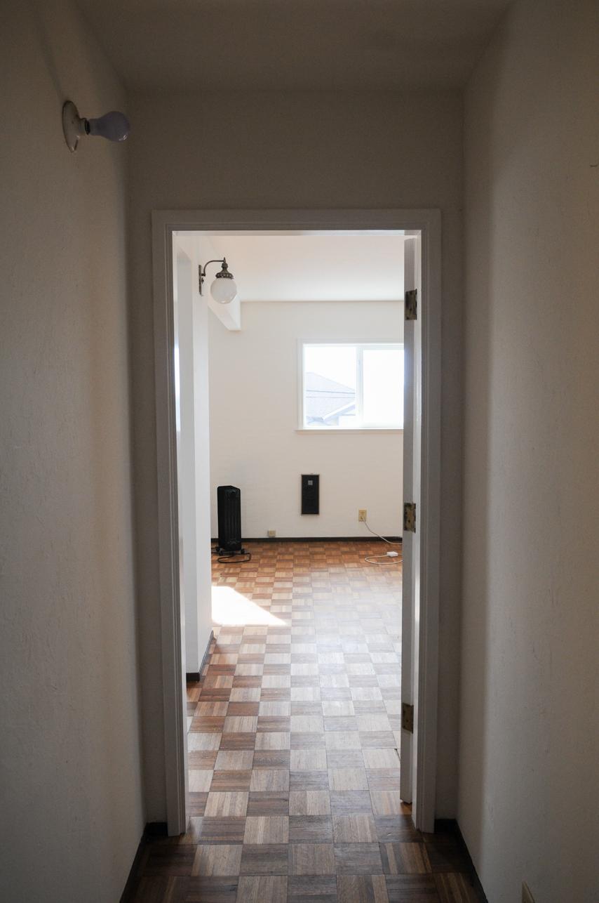Hallways to front room